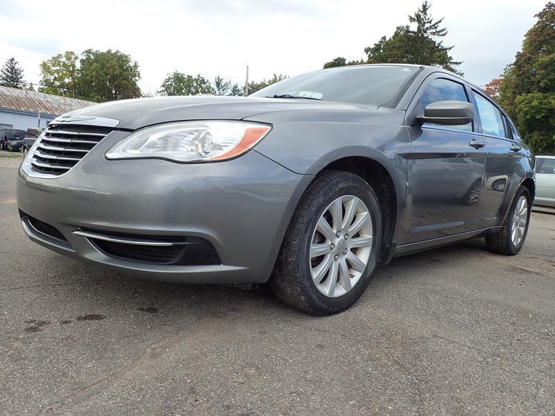 Used 2011 Chrysler 200  grey exterior Stock LS-603654 VIN 1c3bc1fb2bn603654